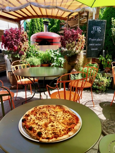 the brown Jug pizza on the patio